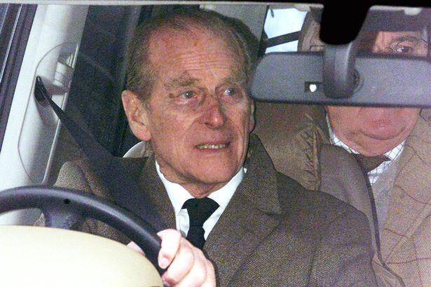 Princ Philip dobrovoljno vratio vozačku dozvolu