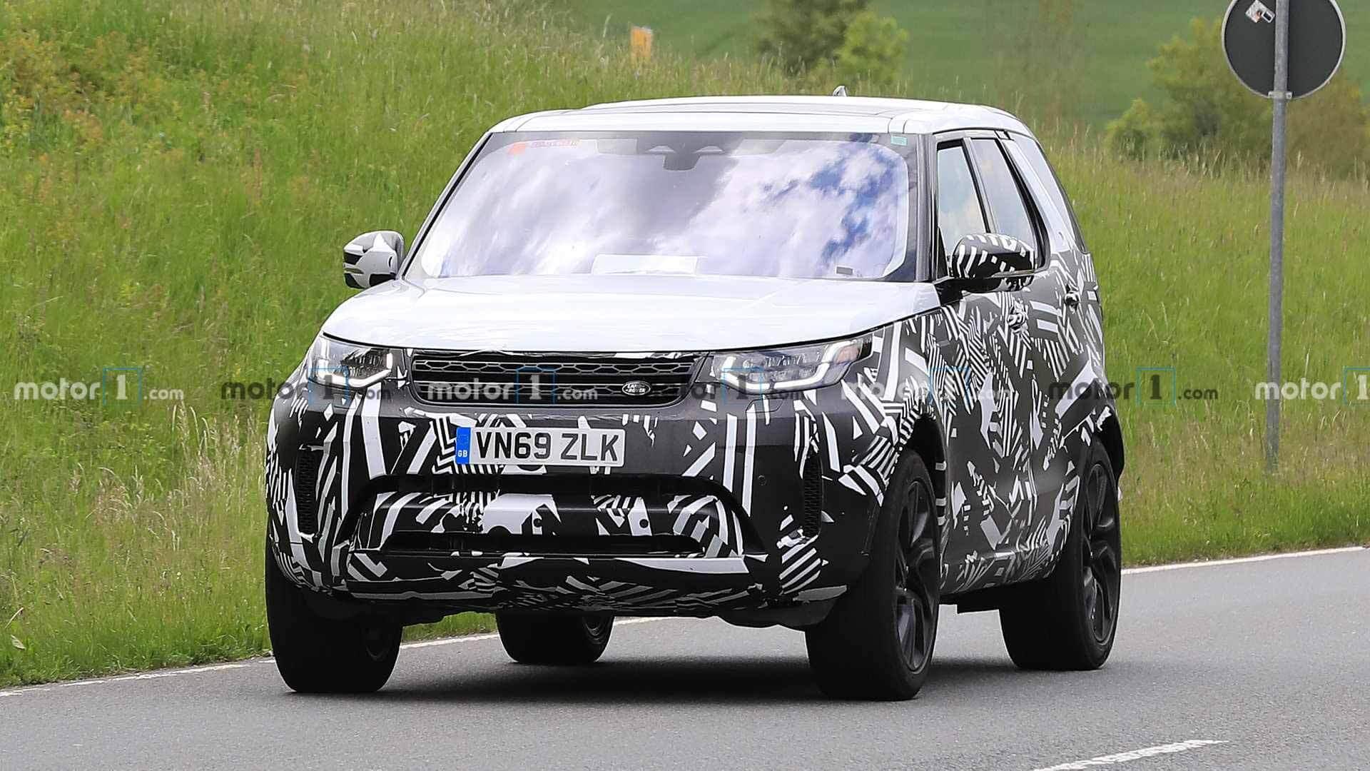 Обновленный Land Rover Discovery. Фото Motor1.com