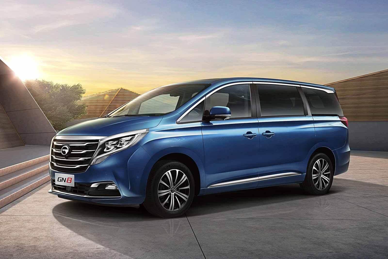 Китайский бизнес-фургон GAC GN8 в России: объявлены цены