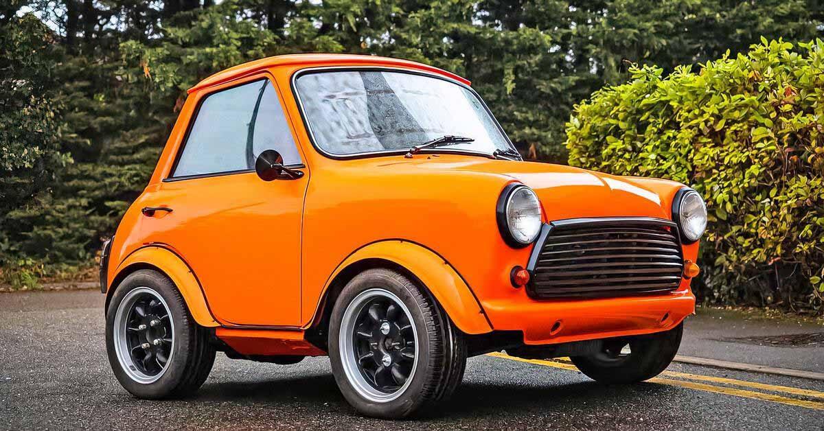 Классический Mini, превращенный в очень короткую двухдверку, выставят на продажу