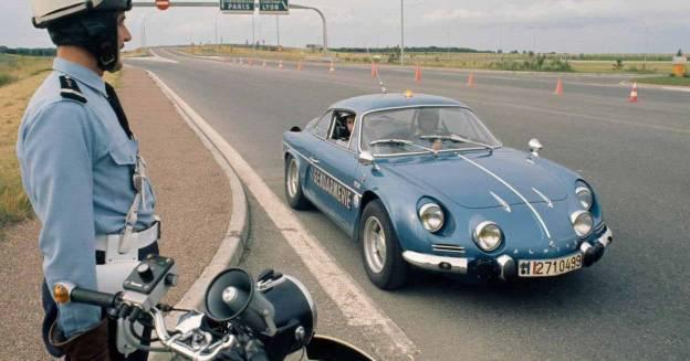 Французская полиция заказала 26 спорткаров со средним расположением двигателя - Motor