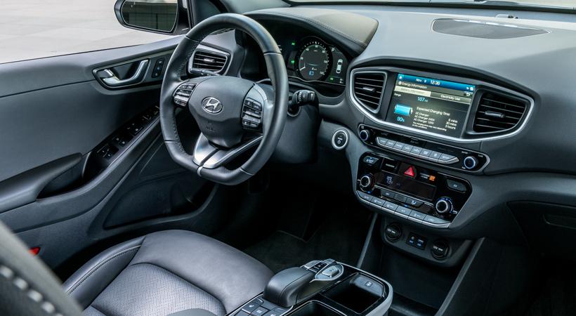 Test Drive Hyundai IONIQ 2017