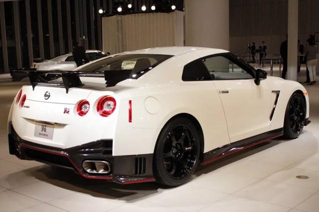 Nissan GT-R 2015 Model 1