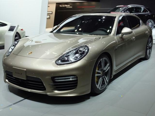 Porsche Panamera-S Executive