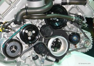 The Difference Between a Serpentine Belt and a Drive Belt