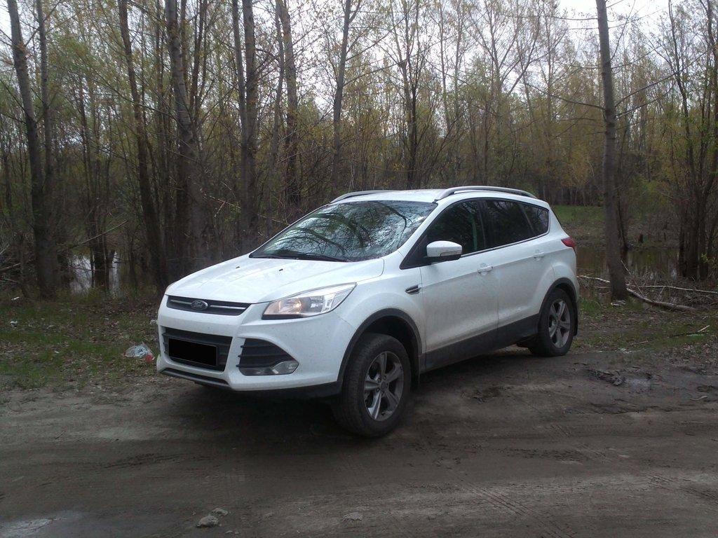 Ford Kuga позволяет быстро передвигаться по скользкой поверхности