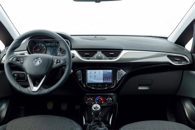 Заглянем в салон Opel Corsa 2015-2016 года