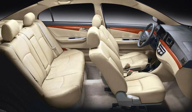 Автомобиль имеет большой и комфортный салон
