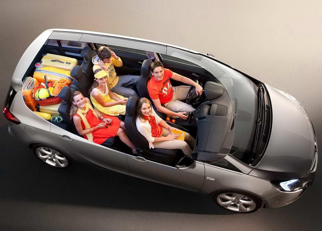 Автомобиль, как и предшественник - вместительный, и приобрел множество новых функций