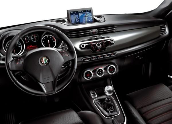 тест драйв хетчбэк Alfa Romeo Giulietta