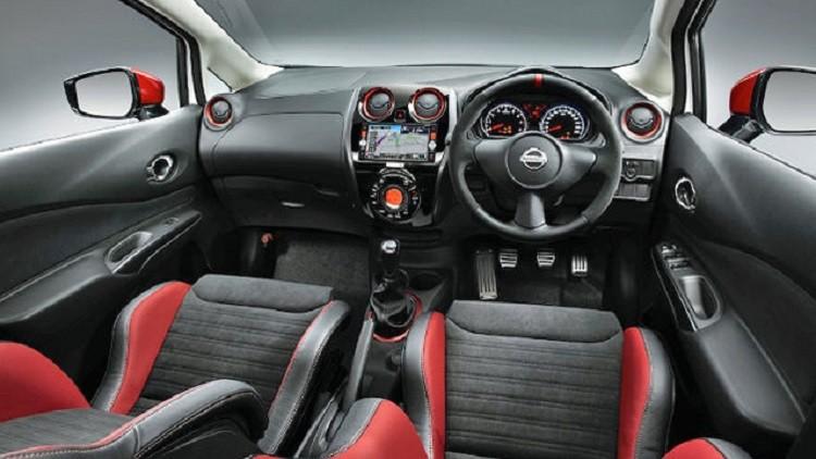 Салон автомобиля Nissan Note