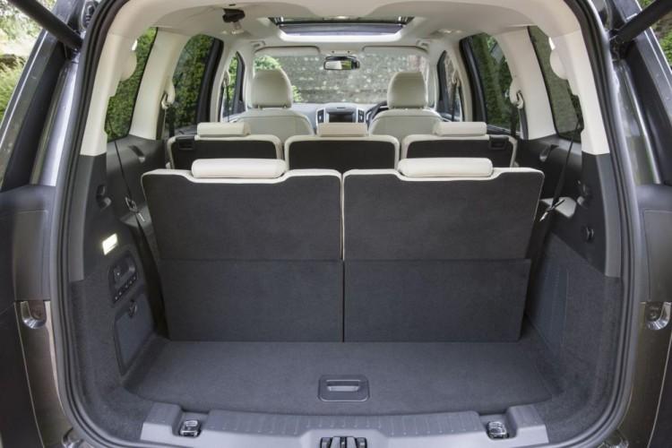 Комфортный автомобиль Ford Galaxy