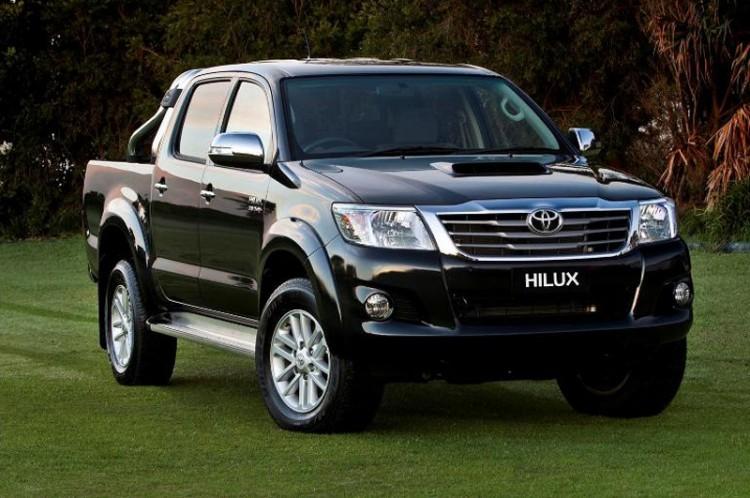 Комплектации Toyota Hilux 2015-2016 модельного года