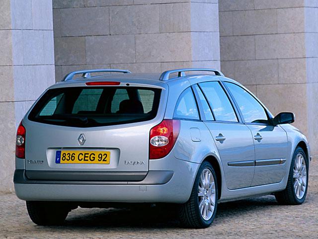 На фото - Renault Laguna хэтчбек