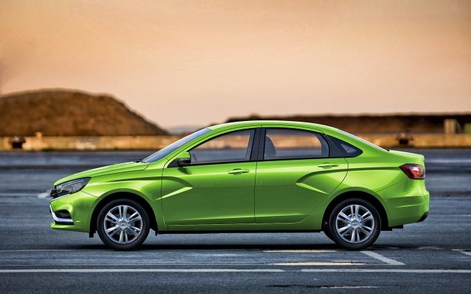 С начала года АвтоВАЗ увеличил продажи Vesta втрое!