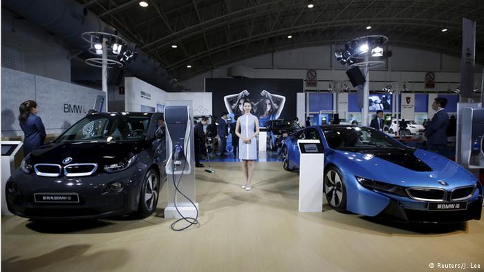 Весной 2016 года BMW представил на автосалоне в Пекине BMW i3 и BMW i8
