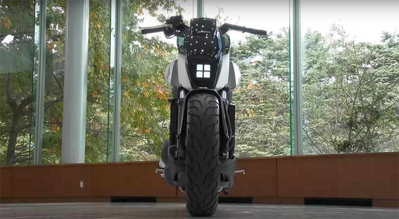 Первый самобалансирующий мотоцикл Honda