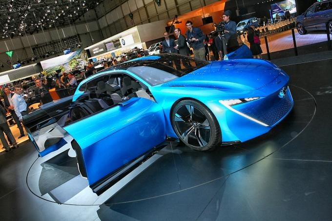 Peugeot Instinct Concept: Совмещая несовместимое