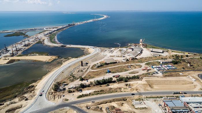 Строительство моста через Керченский пролив со стороны материковой части России