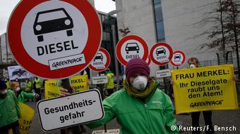 Демонстрация Гринпис в Германии против дизельных автомобилей