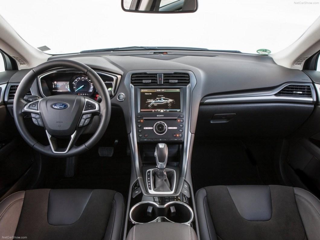 Ford-Mondeo_Hybrid-2015-1600-0f.jpg