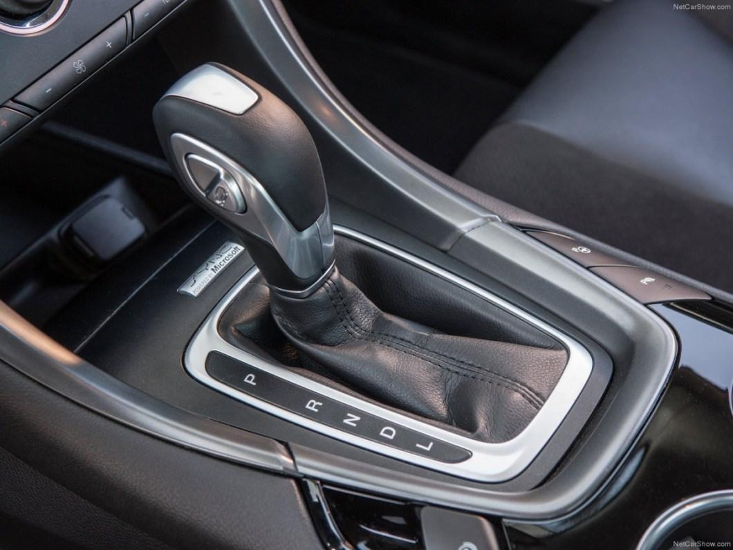 Ford-Mondeo_Hybrid-2015-1600-15.jpg