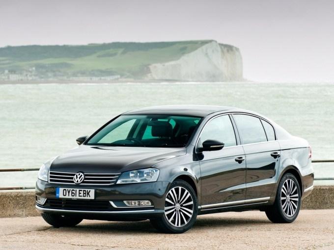 Volkswagen-Passat-2011-1600-06.jpg