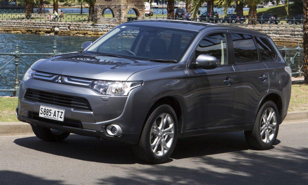 Mitsubishi Outlander порадует своей вместительностью и функциональностью