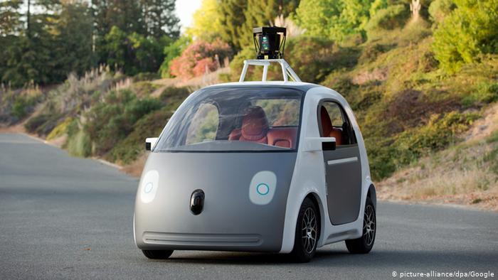 Автомобиль с автономным вождением Google