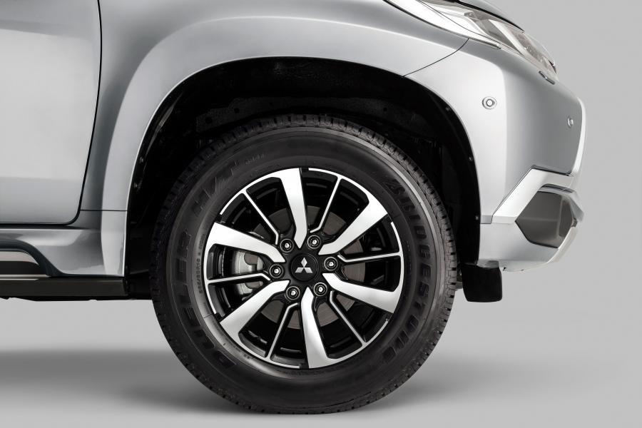 Штатные и нештатные колесные диски для Mitsubishi Pajero 2015 3.0i: какие подойдут?