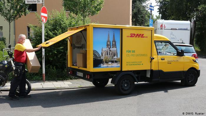 Самая компактная из трех моделей грузового электромобиля Streetscooter