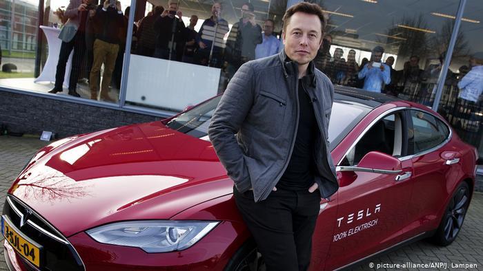 Илон Маск и Tesla S