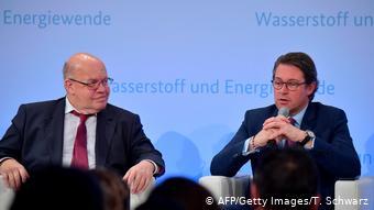 Министр экономики и энергетики Петер Альтмайер и министр транспорта Андреас Шойер