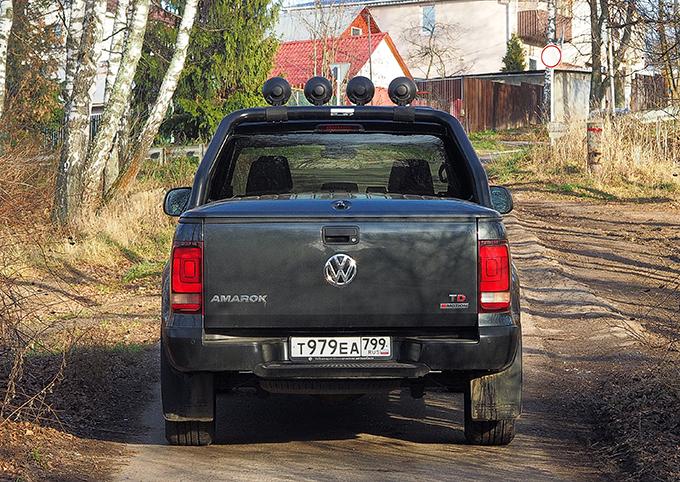 Volkswagen Amarok Dark Label (3027)