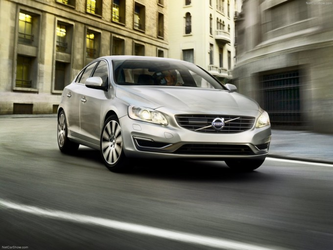 Volvo-S60-2014-1600-03.jpg