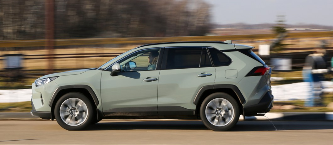 Большой тест: Toyota RAV4, Volkswagen Tiguan, Mazda CX-5, Renault Koleos_05