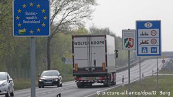 Знак, сообщающий, что вы въезжаете на территорию Германии