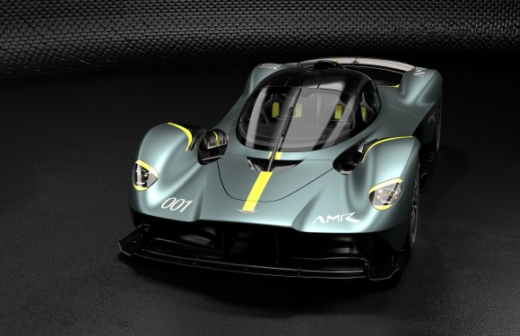 ASTON MARTIN VALKYRIE: AMR TRACK PERFORMANCE PACK AND EXHAUSTIVE OPTIONS LIST CONFIRMED