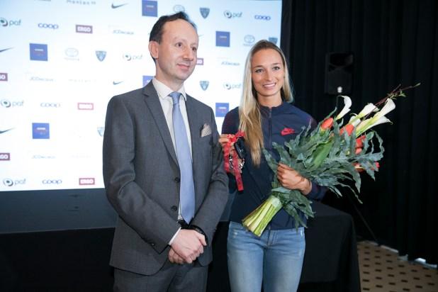 которой член правления Toyota Baltic Освальдо Валентини и Ксения Балта.