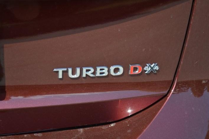 Фото шильдика на пятой двери Opel Insignia Country Tourer турбодизель.
