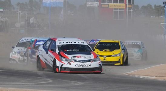 La Comisión Deportiva Automovilística (CDA) del Automóvil Club Argentino (ACA) dispuso la suspensión de todas carreras