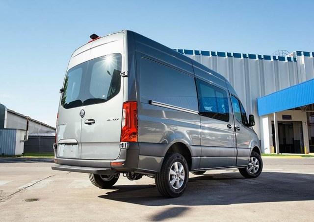 Nuevos furgones Sprinter.