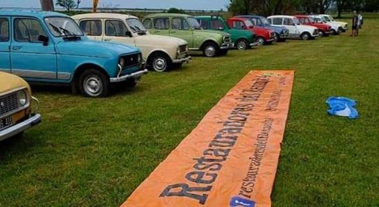 Caravana por el 60 aniversario del Renault 4.