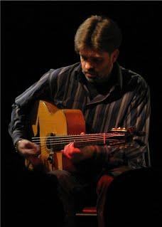 Cours de guitare particuliers à domicile- Lukas Swing – Nîmes (Gard)