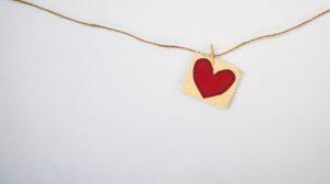 Coeur en tissu épinglé