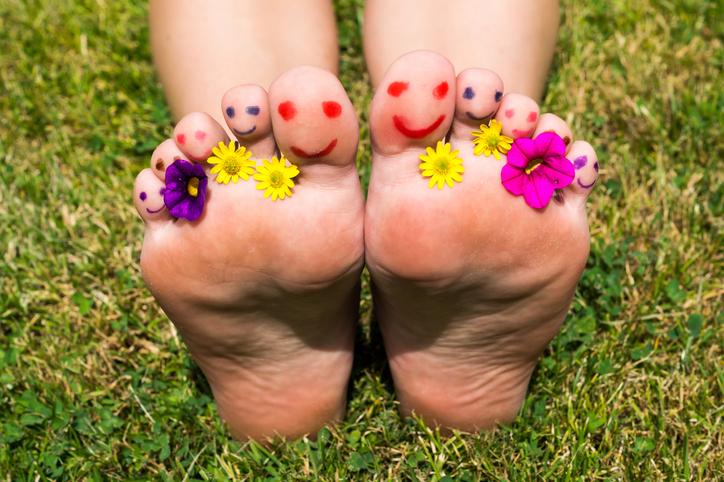 pieds réflexologie printemps
