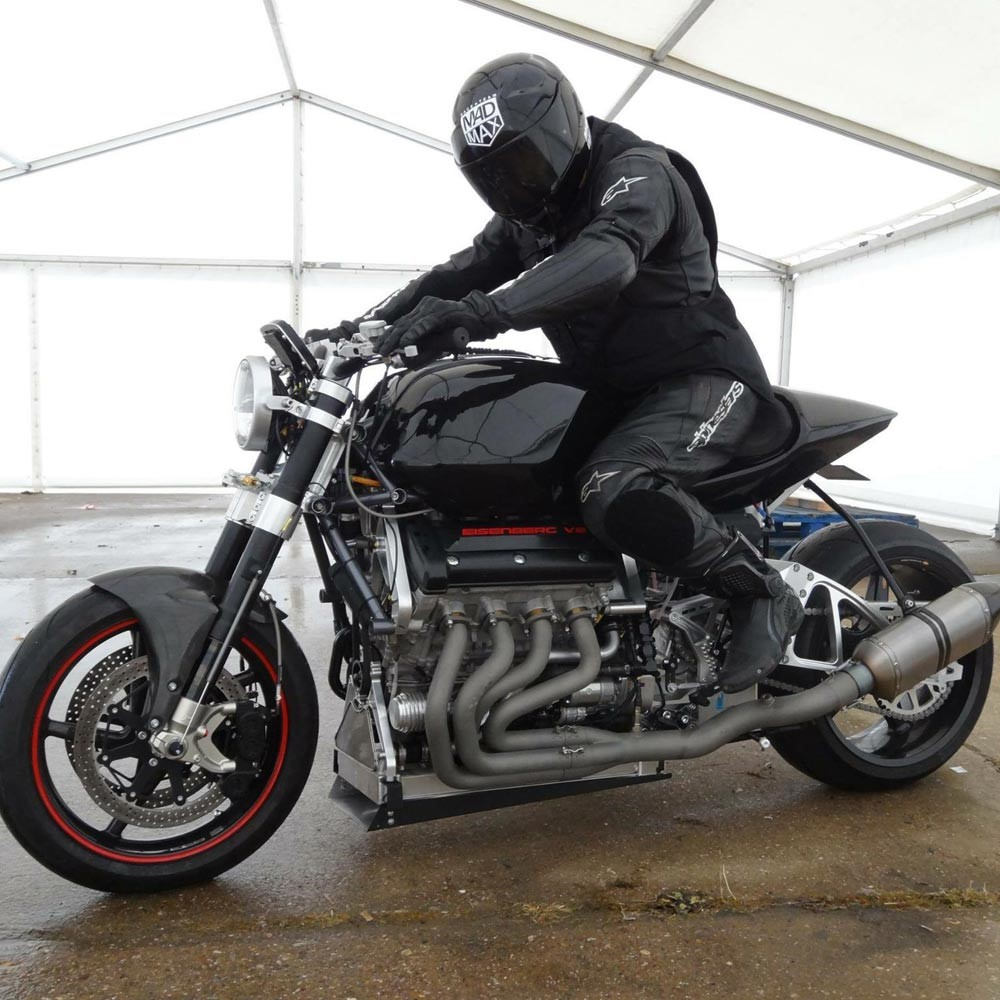 medium resolution of instead he added a rotrex supercharger to a strengthened 1440cc hayabusa engine in a modified hayabusa frame with a six speed gearbox