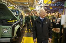 land-rover-defender-production-ceases-01.jpg