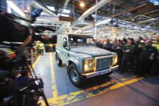 land-rover-defender-production-ceases-11.jpg