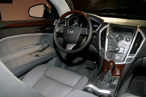 small resolution of new 2010 cadillac srx officially revealed photo video cadillac srx 2010 live presentation interior img 6